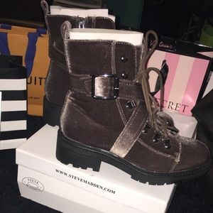 Steve Madden Extreme Taupe Boots